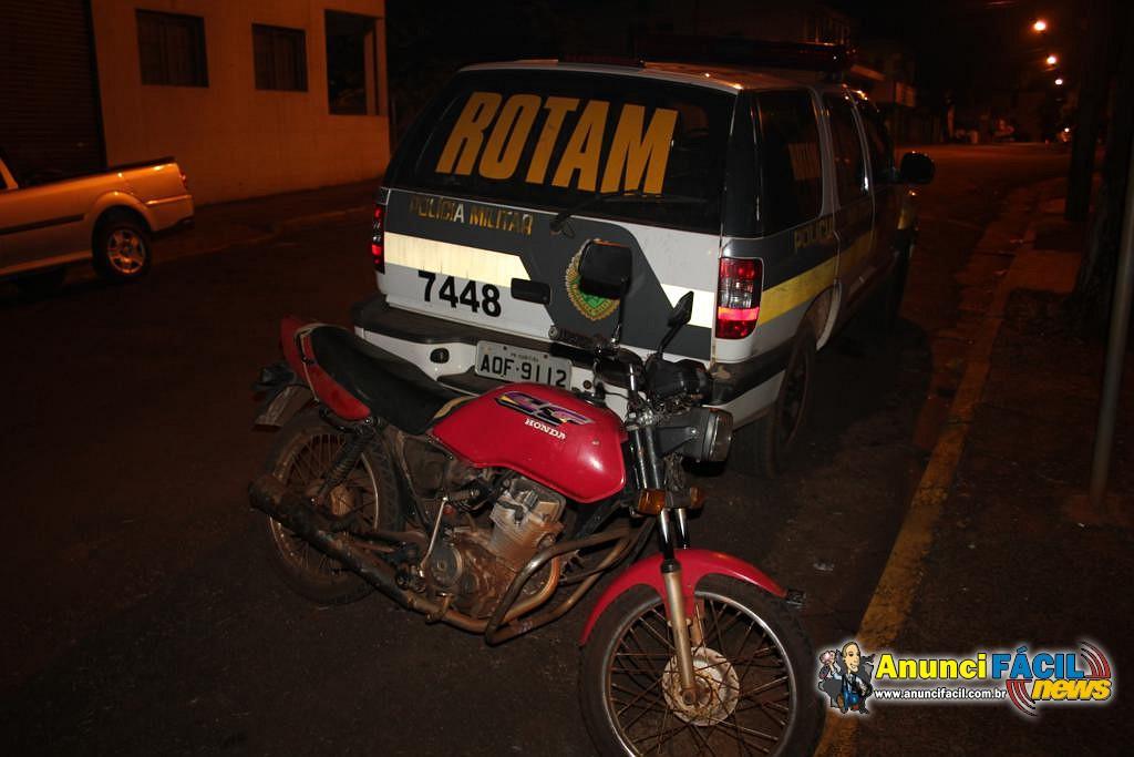 Moto furtada na vila São Pedro